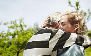 Προσεγγίζοντας ολιστικά τον καρκίνο:  αλλαγές στην ψυχή, το σώμα και την καθημερινότητα