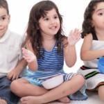 Ευτυχισμένοι μαζί: 5 τρόποι για να διασκεδάσετε τα παιδιά στο σπίτι