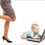 """Γυναίκα και μητρότητα: Υπάρχει """"συνταγή"""" για ιδανικές μητέρες;"""