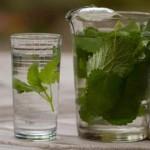 Αρωματισμένο νερό: ξεδιψάστε με απίθανες γεύσεις χωρίς θερμίδες!