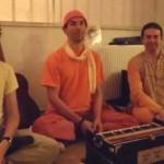 Μουσική, Kirtan, και Χορός με το συγκρότημα Bhakti Age στο κλείσιμο του 4th ATHENS Yoga & Pilates Symposium