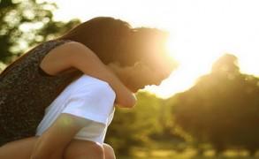 """Είμαι στη σωστή σχέση; 10 σημάδια που """"μυρίζουν"""" τέλος"""