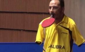 Αθλητής πινγκ-πονγκ χωρίς χέρια πείθει πως τίποτα δεν είναι αδύνατο!