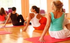 Η Yoga προάγει την χαλάρωση και συμβάλλει σε έναν καλύτερο ύπνο