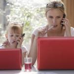Οι εργαζόμενες μητέρες είναι πιο ευτυχισμένες