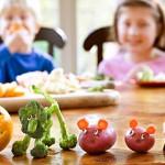 Ενθαρρύνοντας τα μικρά παιδιά να καταναλώνουν διαφορετικά λαχανικά