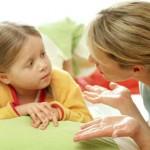 7 βήματα για να κάνετε τα παιδιά σας να σας ακούν χωρίς φωνές και γκρίνια