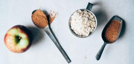 Πρωινό με Porridge, μήλο και κανέλλα