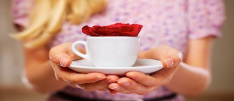 coffee-cup-rose-980x653