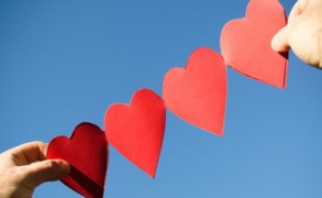 Άλλους ερωτευόμαστε και με άλλους καταλήγουμε