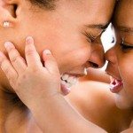 Ωκυτοκίνη: Η oρμόνη που διδάσκει τον μητρικό εγκέφαλο να ανταποκρίνεται στις ανάγκες των παιδιών