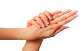 Πώς θα φροντίσετε την επιδερμίδα των χεριών σας