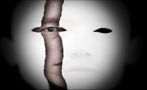 Ο φόβος της μη αποδοχής-Η μάσκα που φοράς