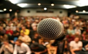 Ξεπερνώντας το φόβο ομιλίας σε ακροατήριο