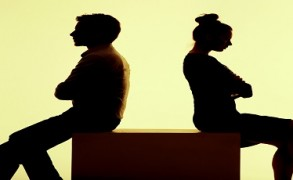 Πώς να επουλώσετε τις πληγές σας μετά την προδοσία μιας σχέσης