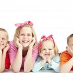 Πώς να βοηθήσετε τα παιδιά που κάνουν κακές σκέψεις