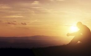 Γιατί φεύγει η προσοχή μου όταν Προσεύχομαι;