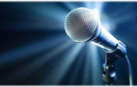 6+1 χαρακτηριστικά ενός ομιλητή που μαγνητίζει το κοινό του