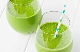 3 γρήγορα πράσινα πρωτεϊνικά smoothies